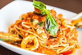 Cheesy Tomato Shrimp Linguine